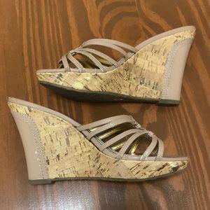 Nude sandal wedge